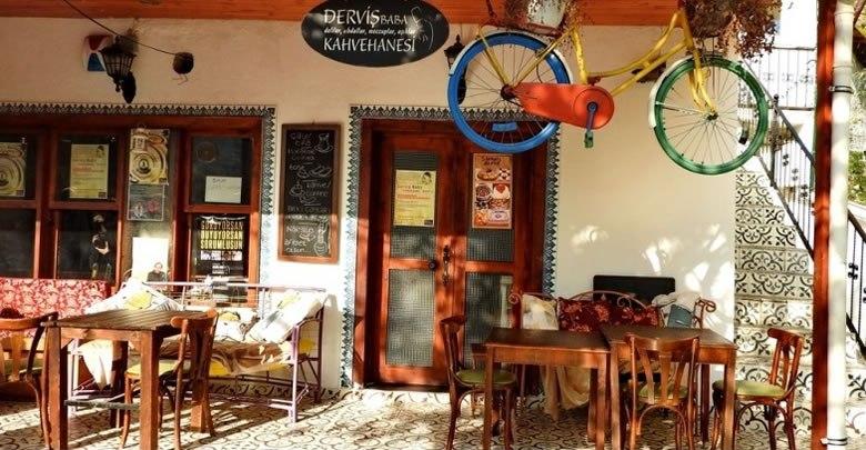 Burası Deliler Kahvehanesi