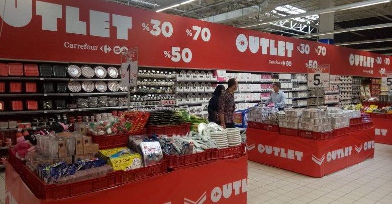 Market içinde outlet mağaza açtı